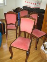 Foto 2 antiker Tisch mit Stühle