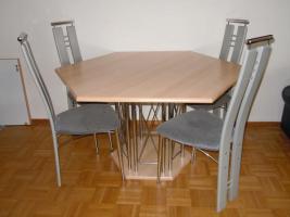 ausziehbarer 6-Eck-Tisch mit 4 Hochlehner-Stühle