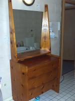 Foto 2 bett und kommode mit spiegel