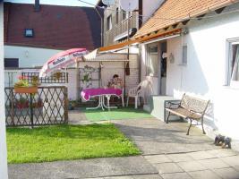 Foto 3 biete DHH  mit gro�en Garten von Privat