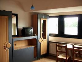 biete helles Zimmer in Köln ossendorf zur zwischenmiete