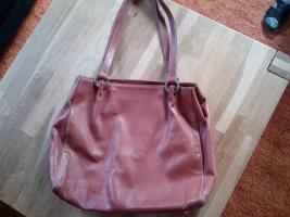Foto 3 diverse Taschen, alle gut erhalten, kleiner Preis, schaut euch die Fotos an !!!
