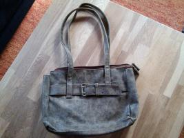 Foto 4 diverse Taschen, alle gut erhalten, kleiner Preis, schaut euch die Fotos an !!!