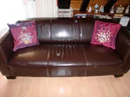ein 3 Sitz Sofa, 2 Sitz Sofa, ein Hocker und ein Big Sofa