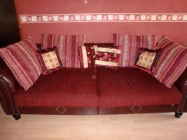 Foto 4 ein 3 Sitz Sofa, 2 Sitz Sofa, ein Hocker und ein Big Sofa