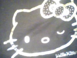 ein Damen T-shirt Von HEllO KiiTTY gr.XL 2x Gebraucht  mit StrassSteinen Gutenzustand