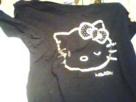 Foto 3 ein Damen T-shirt Von HEllO KiiTTY gr.XL 2x Gebraucht  mit StrassSteinen Gutenzustand