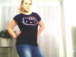 Foto 8 ein Damen T-shirt Von HEllO KiiTTY gr.XL 2x Gebraucht  mit StrassSteinen Gutenzustand