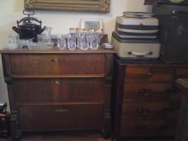 Foto 3 ein komplettes altes herrenzimmer, mit allen sachen die man sieht zum verkauf