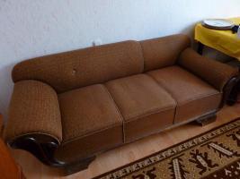 Foto 2 ein stabiles Sofa aus den 50ern in gutem Zustand