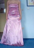 ein wundersch�nes Brautkleid
