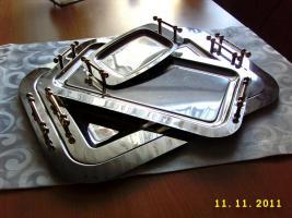 Foto 3 elegante Servierplatten und zwei passende Butterschalen