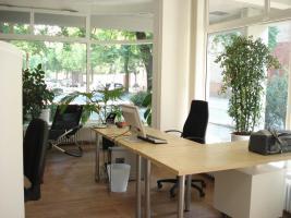 freundlich - hellen - Büroarbeitsplatz