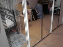 Foto 3 gepflegter Kleiderschrank Schwebetürenschrank Spiegelschrank