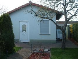 Foto 3 gepflegter und schöner Kleingarten mit massiven Steinhaus
