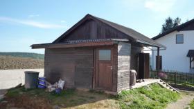 geräumige Gartenhütte