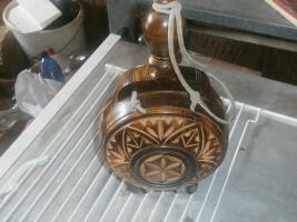 geschnitzte flasche aus ungarn