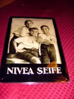 Foto 2 große hochwertige Nostalgie NIVEA Blechschilder