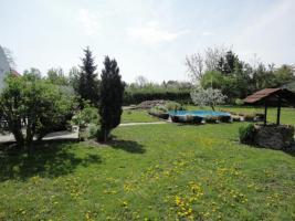 Foto 2 großes Einfamilienhaus mit Grundstück