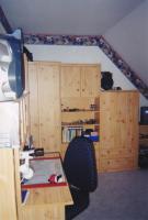 Foto 2 helles und praktisches Jugenzimmer