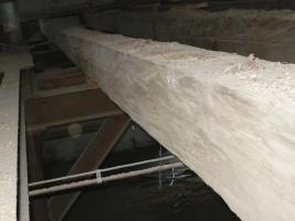 historisches Holz, Altdielen, handbehauene Balken