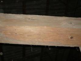 Foto 4 historisches Holz, Altdielen, handbehauene Balken