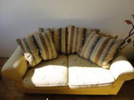 hochwertige 2-Sitzer Couch g�nstig zu verkaufen