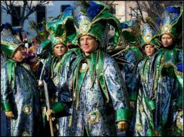 hochwertiges Karnevalskostüm für Gruppe