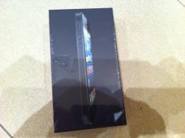 iPhone 5 32G schwarz mit Garantie (nagelneu, original verpackt)