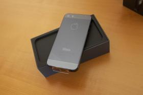 Foto 3 iPhone 5, 32 GB, Schwarz aus Garantieaustausch