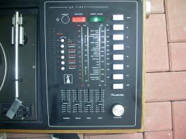 Foto 4 ich biete einen schallplattenspieler mit kassetenspieler, radio und 2 boxen an + alle meine schallplatten
