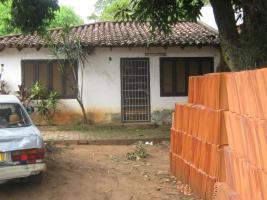 ich verkaufe ein hause in capiata Paraguay weg 1 kilometrer 16/5