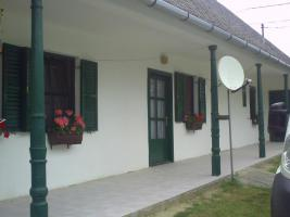 Foto 3 ich  biete einen grossen komplett renovierten Bauernhof in Ungarn