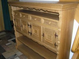 individuelles Möbel, Einzelstück in Eiche gelaugt und geschruppt