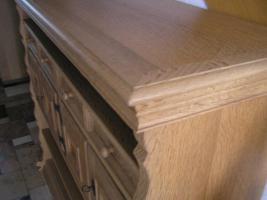Foto 7 individuelles Möbel, Einzelstück in Eiche gelaugt und geschruppt