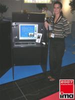 Foto 8 internettische internetterminal surf kiosk münzterminal münzprüfer kiosksysteme spielhalle casino wettautomat internetcafe cashterminal