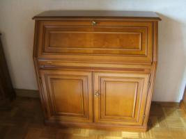 Foto 3 italienische Kirschbaumholz-Möbel