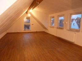 kl. Haus mit Garten in Ober-Mörlen, helle Räume(Wohnung), zentrale ruhige Lage, Erstbezug n. Sanierung