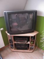 Foto 2 kleiner Fernsehschrank