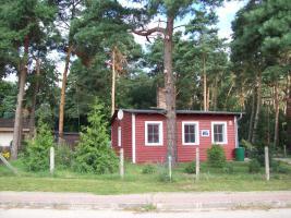 Foto 2 kleines Häuschen am Wald