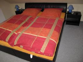 Foto 2 kompl. Schlafzimmer, schwarz