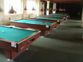 Foto 2 kompletter Billardsalon mit 29 Turnier Pool - Billardtischen