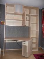komplettes Jugendzimmer Bett, Eckkleiderschrank, Schreibtisch, Anbauwand
