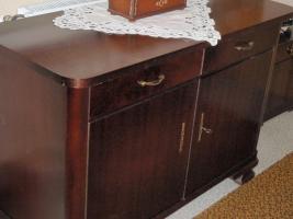Foto 3 komplettes Schlafzimmer in hervorragendem Zustand (Kleiderschrank mit Vitrine, Bett, Nachttisch)