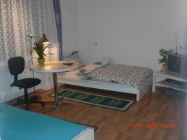 messezimmer/ apartma