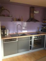 Foto 3 moderne neuwertige Küche