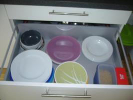 Foto 6 moderne neuwertige Küchenzeile ohne Herd und Elektrogeräte