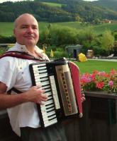 Foto 2 musitala � Musik ::: Singen ::: Tanzen ::: LAchen mit Alleinunterhalter Norbert Schindlegger