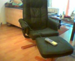 Foto 2 neuwertigen Massagesessel mit Hocker und Fernbedienung