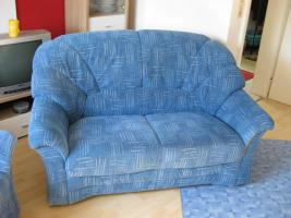 Foto 2 neuwertiges 2er Sofa mit Sessel